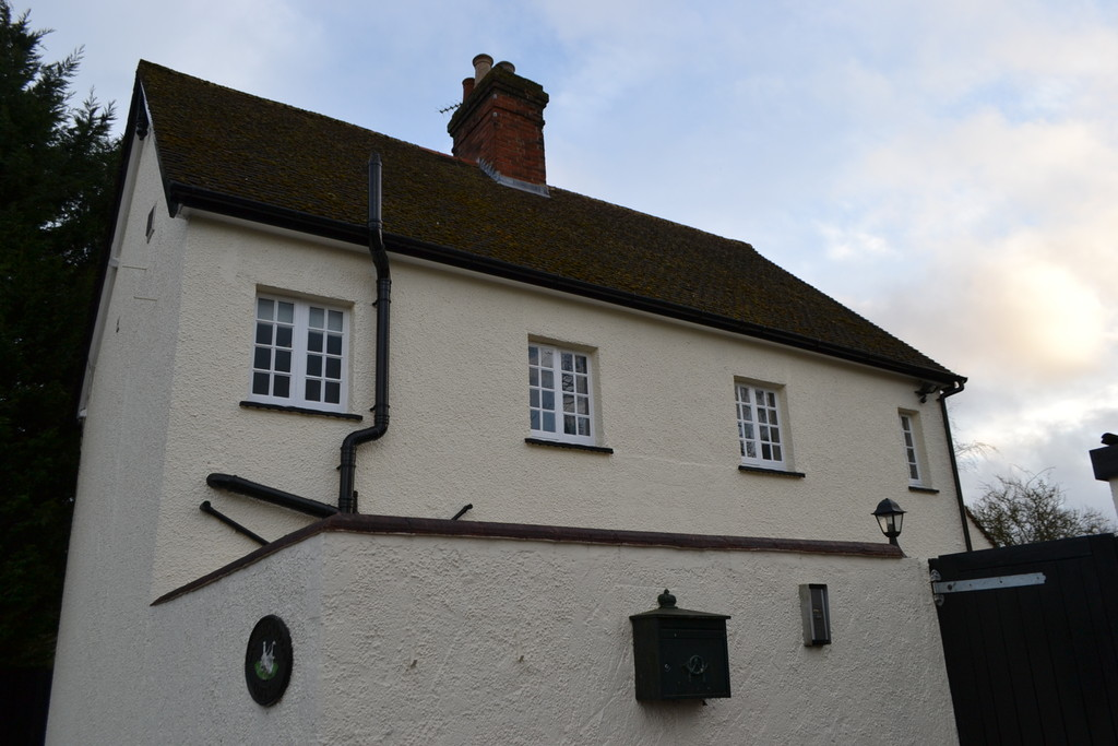 New Road, Radlett