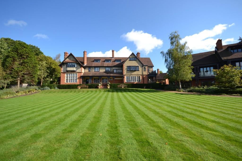 Grace Court, Totteridge Green