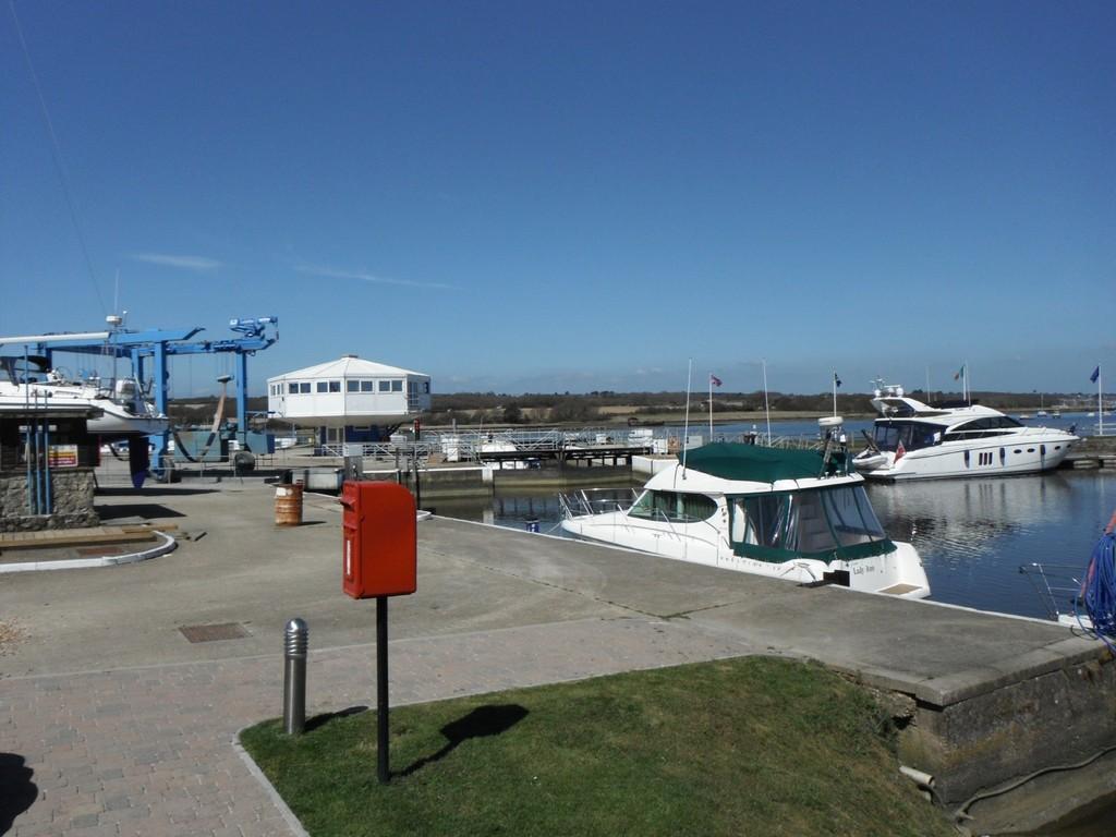 Bittern Place, Island Harbour