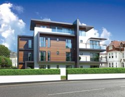 Harbour View, 18 St Catherine's Road, Southbourne, Dorset, BH6 4AA