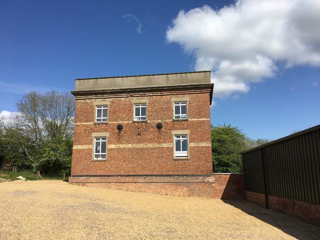 Freehold Office Investment Nr Oakham