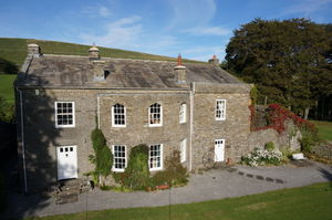 Rigg House With Cottage, Near Hawes