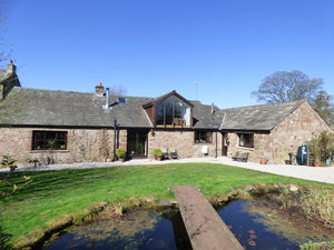 The Barn with Equestrian Land, Winton