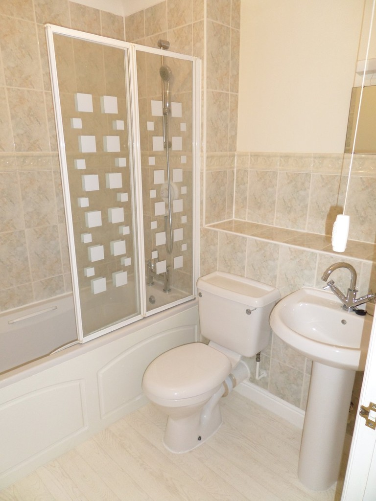 Leeward Quay, Sovereign Harbour South, Eastbourne, East Sussex, BN23 5UD