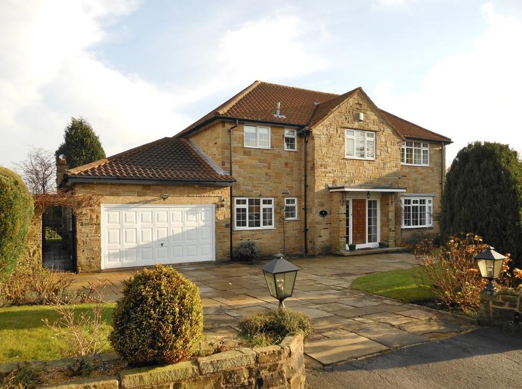 Manor Close, Bramhope Village