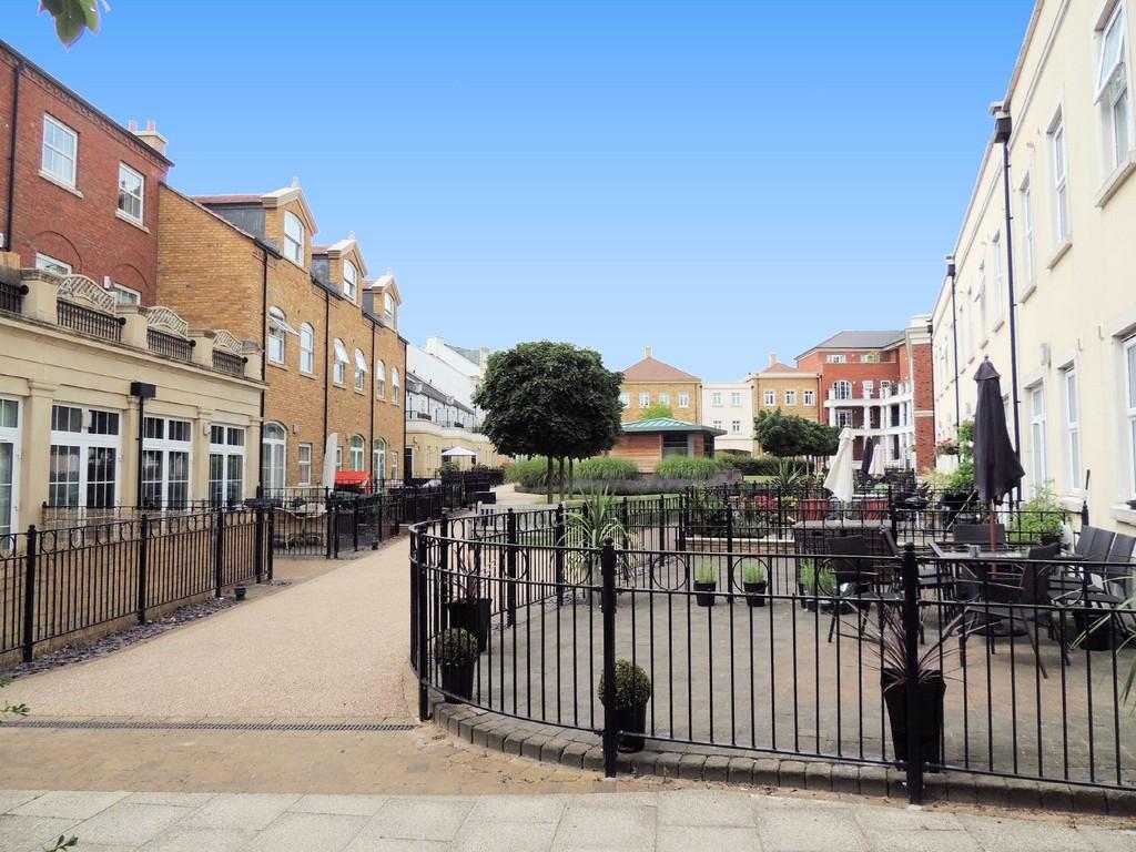Main Street, Dickens Heath