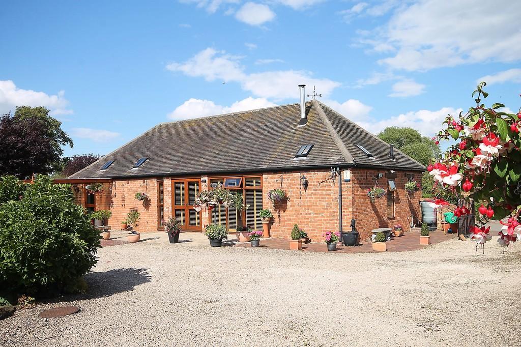 The Fairways Barn, Green Lane, Middleton, B78 2BJ