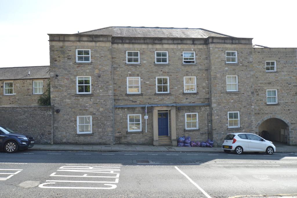 Flat 2, Frances Lee House, Pottergate, Richmond