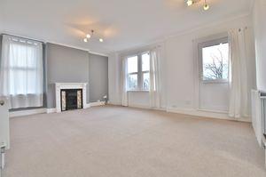 Duplex Apartment with Balcony, Fox Rd, West Bridgford, NG2 6AJ.