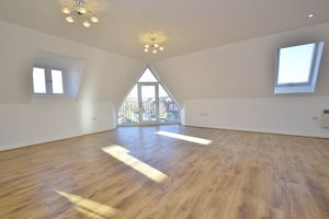 The Penthouse, 1A Carlyle Road, West Bridgford, NG2 7NQ