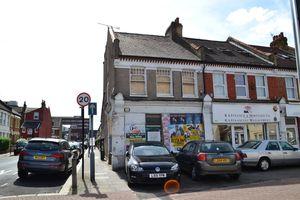 902 Garratt Lane ,Tooting SW17