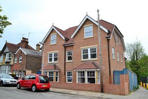 Worth House, Grosvenor Road, East Grinstead RH19 1HS