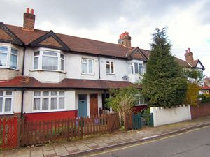 Dinton Road, Colliers Wood, SW19