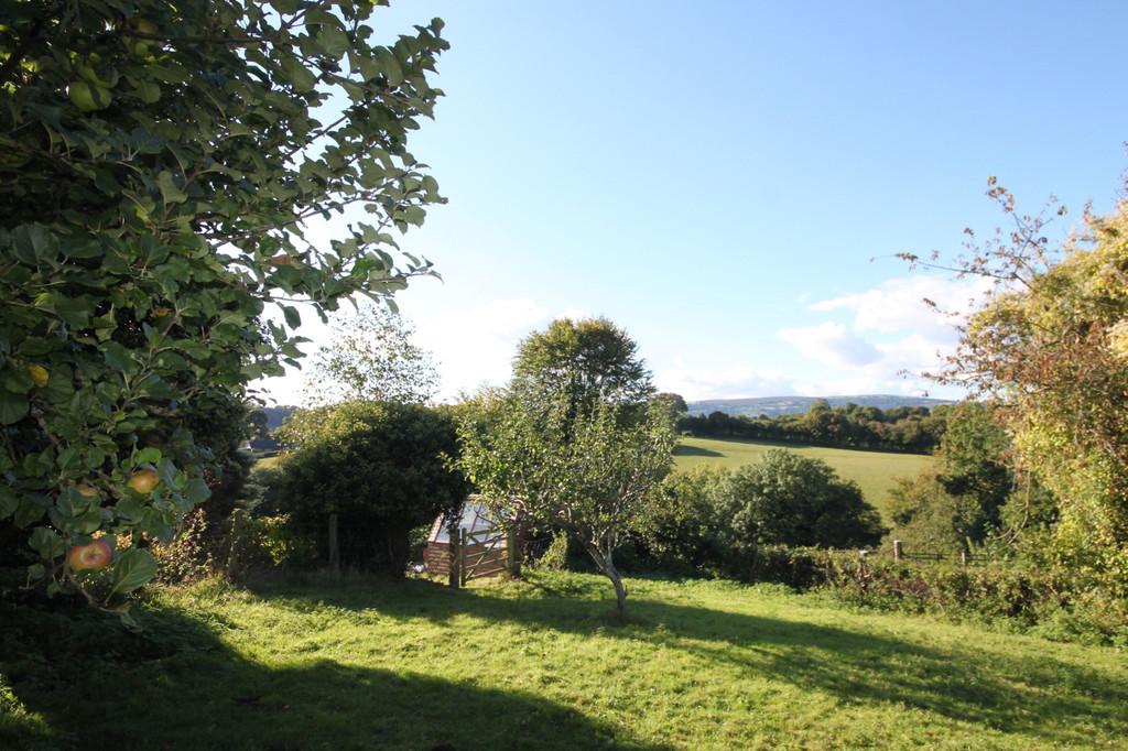 Twyn Lane, Glascoed Village