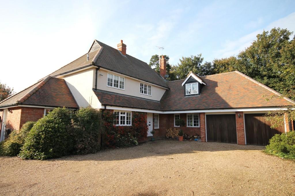 Farm Close, Roydon, Essex