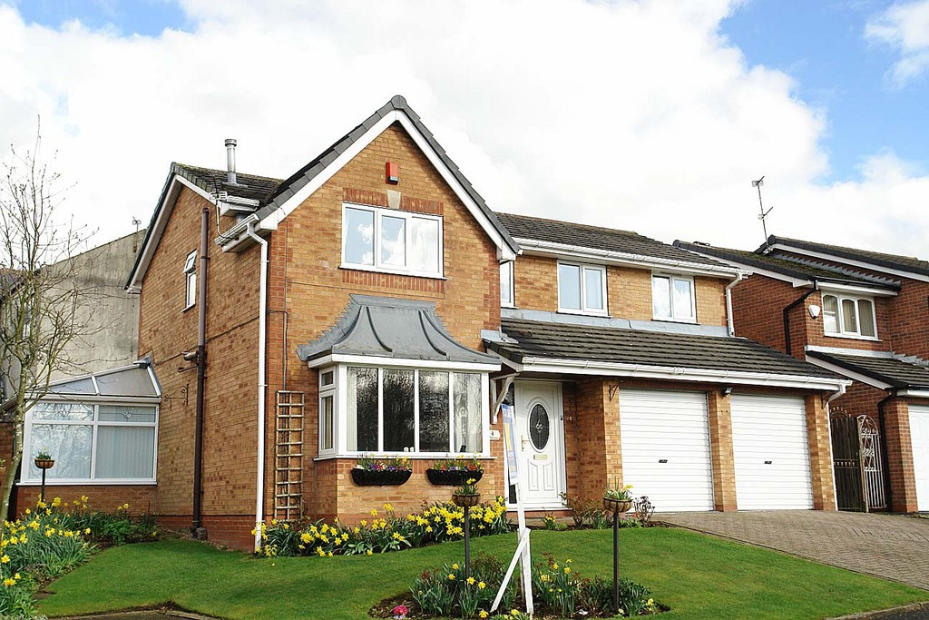 4 Milngate Close, Rochdale