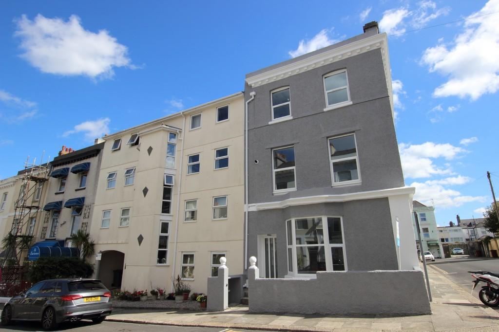 St James Place West, The Hoe, Plymouth, Devon, PL1 3AT