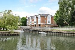 Hampton Court Riverside