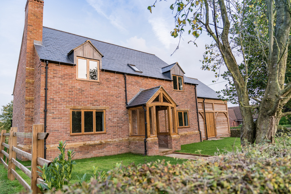 4 Bedrooms Detached House for sale in Wrights Lane, Wymondham: