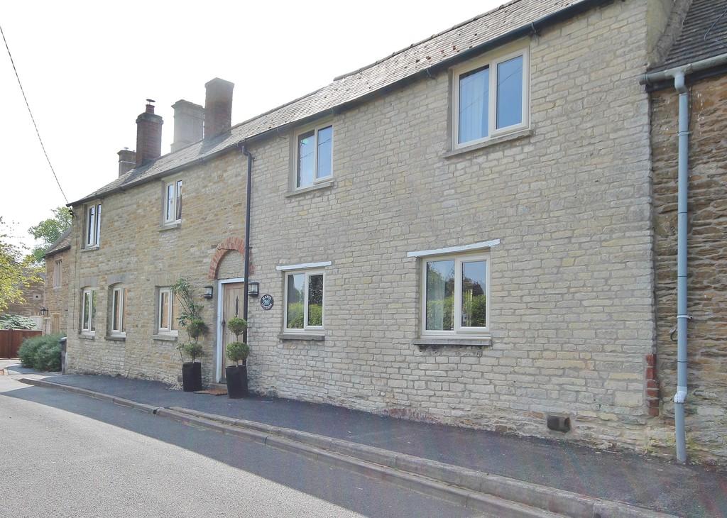 Manor Lane, Glaston