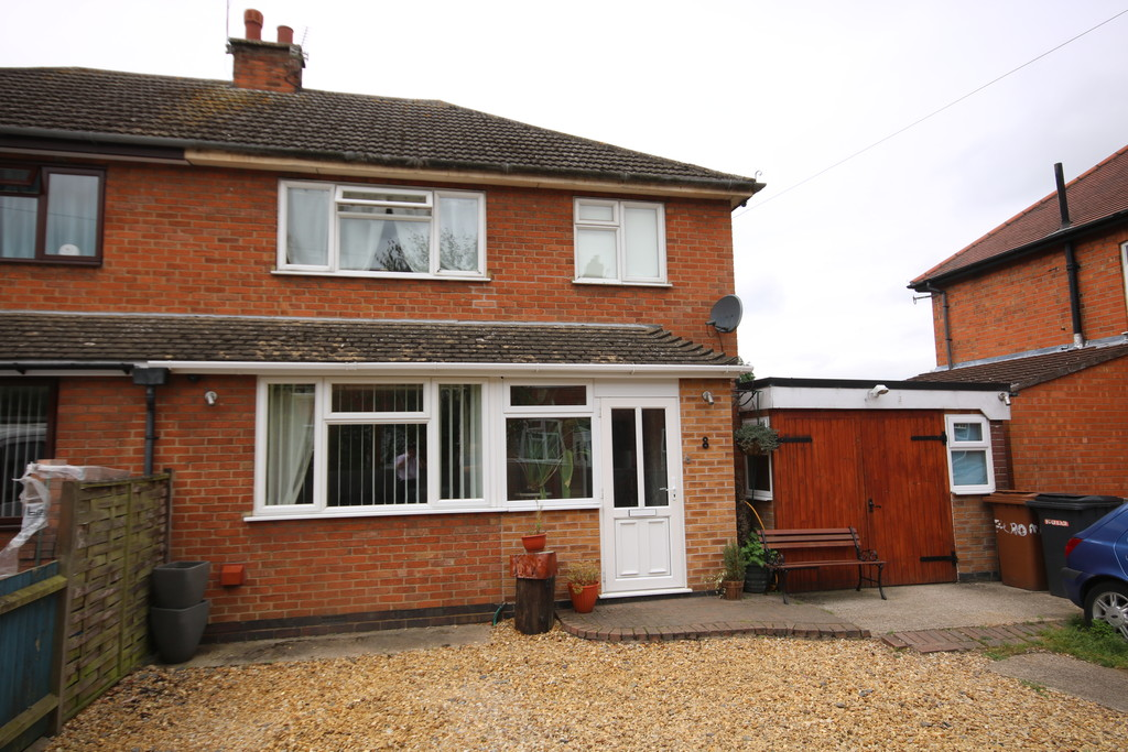 3 Bedrooms Property for sale in Cromwell Road, Melton Mowbray: