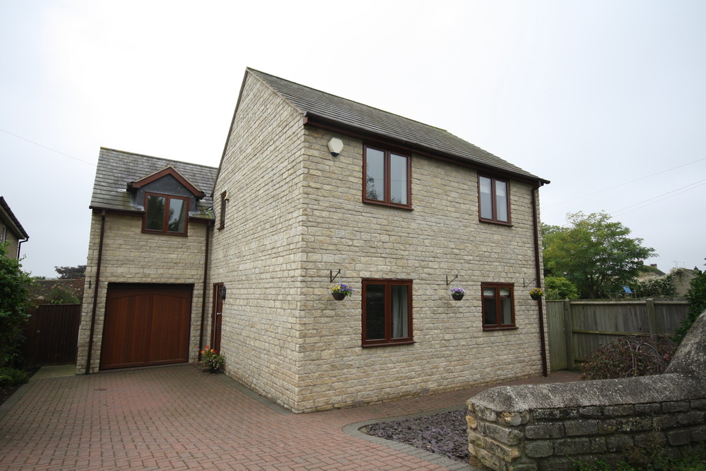 4 Bedrooms Detached House for sale in Wood Road, Kingscliffe: