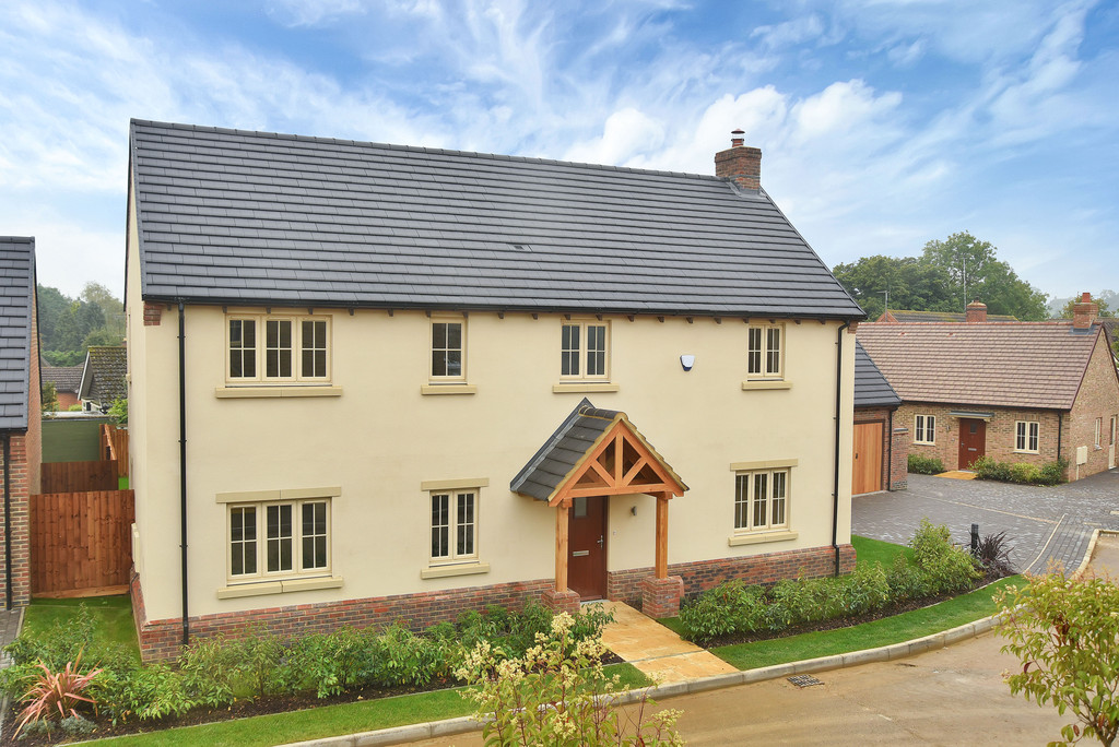 4 Bedrooms Detached House for sale in 4 Stokes Rise, Great Easton: