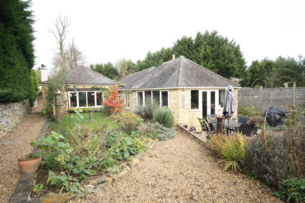 4 Bedrooms Property for sale in Fineshade, Northamptonshire: