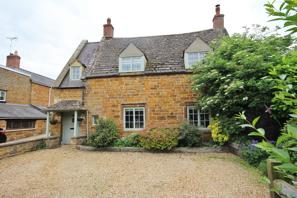 4 Bedrooms Property for sale in Main Street, Lyddington: