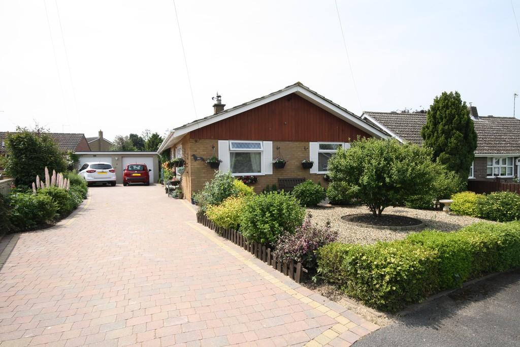 2 Bedrooms Property for sale in Belmesthorpe: