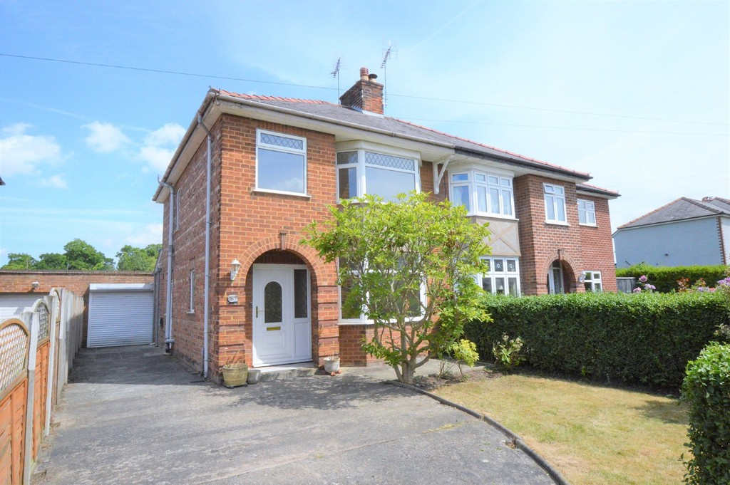 Oakfield Drive, Upton, Chester