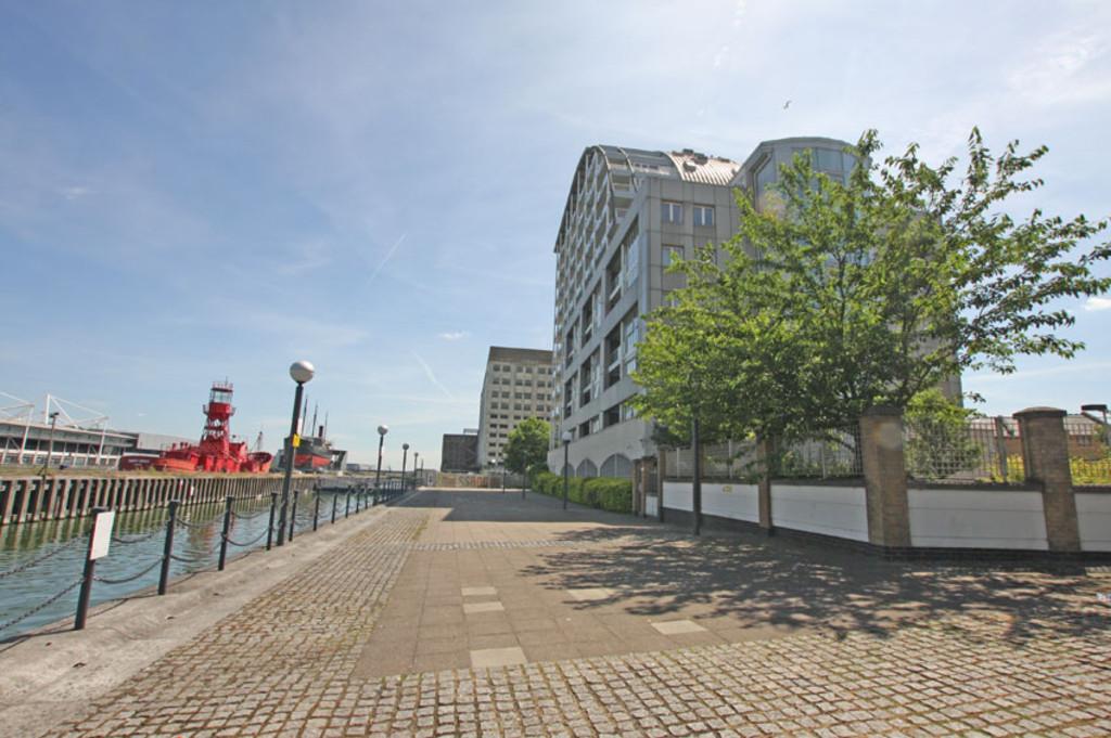 Eastern Quay, West Silvertown. London, E16